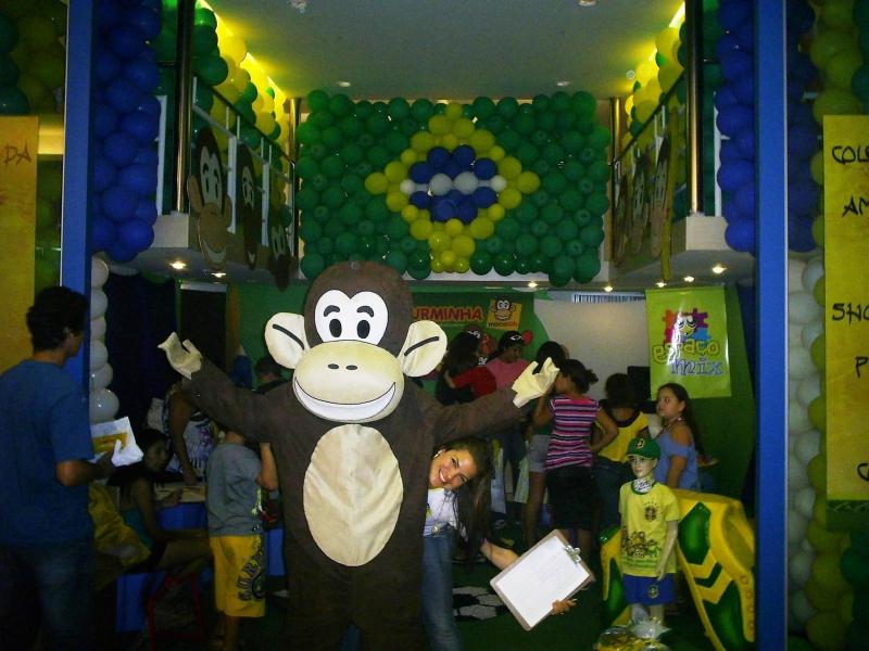 Os Macakids agitando o clube da figurinha no shopping Praia da Costa 26/06/10