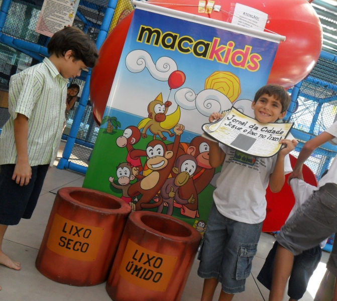 Festa do Cauã com os Macakids