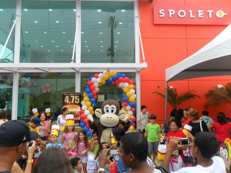 Inauguração do Bobs e Spoleto em Guarapari com os Macakids