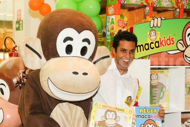 Festa de lançamento dos brinquedos Macakids da Carlu